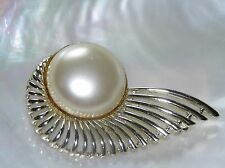 Vintage SARAH COV Marked Goldtone Spray with Large Faux Mabel Pearl Pin Brooch –