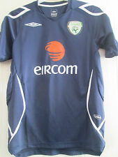 Republic of Ireland Training Leisure Football Shirt adult size small /39533