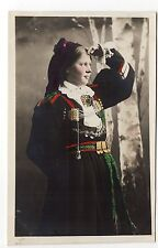 RUSSIE Russia Théme Types russes costumes personnages femme coiffe costume 4
