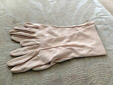 VINTAGE KAYSER LIGHT BEIGE STRETCH LADIES VINTAGE GLOVES 1950's
