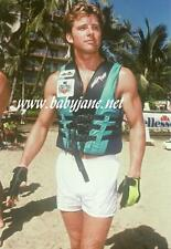 006 MAXWELL CAULFIELD AT BEACH IN LIFE VEST COLOR PHOTO