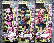 MONSTER HIGH CREEPATERIA SET OF 3 DOLLS HOWLEEN WOLF * DRACULAURA * CLEO