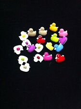 DUCKLINGS PLASTIC BUTTONS/SEWING SUPPLIES/15 Buttons/SEWING CRAFTS