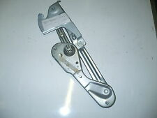 MERCEDES W124 CHASSIS LEFT N/S BONNET HINGE WITH INTERIOR LOCKING MECHANISM