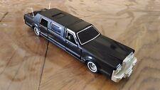 Voiture Miniature Majorette « Limousine Réf 3045 » 1/32ème  En Bon Etat.