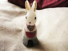 "Inutilisé vintage bougie de cire en forme de lapin en rose tablier 4.5"" high so cute"