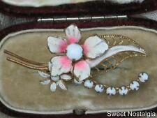 PRETTY VINTAGE 30/40'S MILK GLASS AND PINK/WHITE ENAMEL FLOWER BROOCH - AUSTRIA