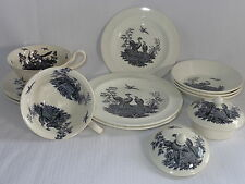Wedgwood Etruria Liverpool Birds China Dinnerware Cups Saucers Bowls Lids Plates