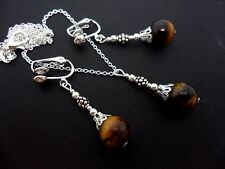 A PRETTY TIGERS EYE BEAD  NECKLACE AND CLIP ON EARRING SET. NEW.
