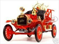 1914 FORD MODEL T FIRE ENGINE 1:18 DIECAST MODEL CAR BY ROAD SIGNATURE 20038