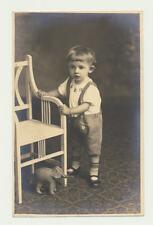 Original Foto / ..Junge in Lederhose mit seinem Spiel Elefant