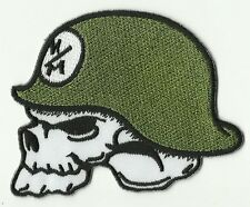 ECUSSON PATCH THERMOCOLLANT CASQUE MILITAIRE SKULL TETE DE MORT 8,5 X 6,5 CMS
