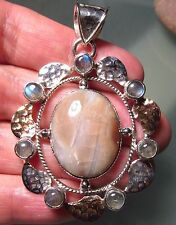 *sale* Sterling silver heavy 17r cabochon glossy agate pendant.