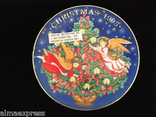 """1995 Avon Christmas Collector Plate """"Trimming the Tree"""""""