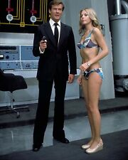 "Britt Ekland James Bond 007 10"" x 8"" Photograph no 13"