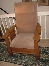 VINTAGE ROYAL EASY MORRIS CHAIR