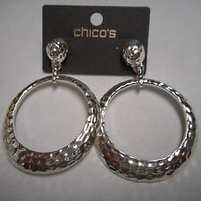 WOW CHICO'S EARRINGS SILVER CLASSIC HOOPS NEW ON CARD CLASSY  (( PIERCED ))