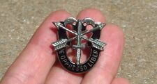 Vietnam Era US ARMY SF SPECIAL FORCES KISSING SKULLS De Opresso Liber Pin