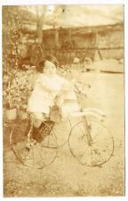 CPA PHOTO PETITE FILLE SUR SON CHEVAL TRICYCLE