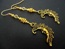 Un par de tono oro Aretes Luna temática Colgantes. Nueva.