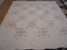 Nice White Whole Cloth w/Embroidered Flowers Quilt