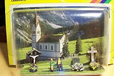 N scale NOCH 33780 CEMETERY SET with Two Figures on Bench ,Graves & Shrine