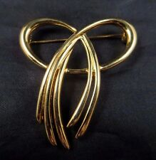 Vintage Crown Trifari Signed Open Work Modernistic Bow Brooch Pin Gold Tone 2""