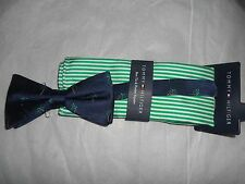 TOMMY HILFIGER NAVY BOW TIE WITH PALM TREES & STRIPED POCKET SQUARE