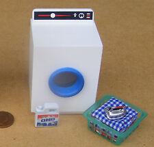 LIQUIDO di lavaggio, MACCHINA & lavanderia in cesto DOLLS HOUSE miniatura Accessorio SOLE