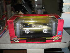 1 24 JOHNNY LIGHTNING 1969 FORD MUSTANG MACH 1 WHITE LIGHTNING  CHAMPAGNE GOLD
