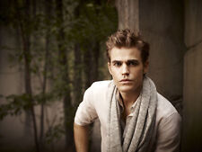 Paul Wesley UNSIGNED photo - D1402 - Everwood, 24, Army Wives & Elsewhere