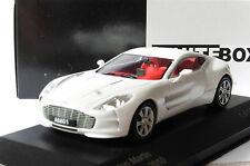 ASTON MARTIN ONE 77 2010 METALLIC WHITE WHITEBOX WB159 1/43 WEISS BIANCA BLANC