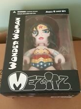 Mez-Itz Wonder Woman Figure Vinyl Pop Mezco DC Universe Batman Superman