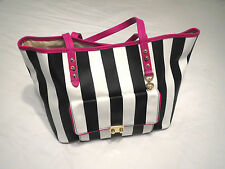 Juicy Couture Large Pocket Coldwater Pammy Tote NWT YHRU3789 Multi-Color