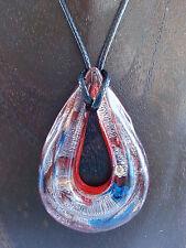 Halskette mit Anhänger aus Glas Tropfen Goldsand / Silbersand / Blau auf Rostrot