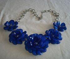 chunky acrylic lucite 3D blue 5 flowers rhinestones bib silver tone necklace