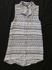 New Women's H&M Divided Black & White Adobe Print Button-Up Tank Top Size 6