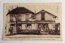 CPA ou CPSM. VIGNEUX sur SEINE. 91 - Le Bureau de Tabac. Place Anatole France.