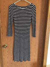 5201)  BCBG MAX AZRIA sz M 8 black stripe cotton ribbed knit dress below knee