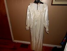 VTG ILISE Steven's Ivory Shiny Liquid Satin Long Lacy Lined Nightgown Large NWT