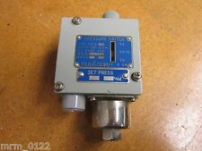 FUJI SEIKO Type FH13-SC Pressure Switch AC 250V 15A New Old Stock