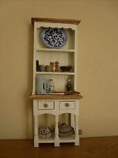 Dollshouse Miniatura ~ Marfil Y Roble Claro ~ cómoda y accesorios de cocina