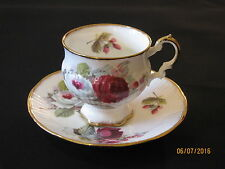 Vtg Elizabethan China Footed Tea Cup And Saucer,Pink/Red/White Roses,Gold Trim