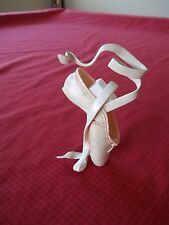 """JUST THE RIGHT SHOE """"EN POINTE CHAMPAGNE"""" 25239 MINIATURE COLLECTABLES"""