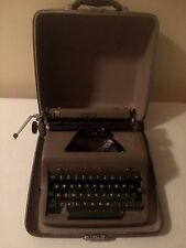 Vintage 50s Royal Quiet Deluxe Manual Portable Typewriter Hard Carrying Case