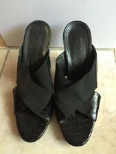 Donald J Pliner Slide Sandals Black Fabric and Leather Shoes Womens 8.5 Croc