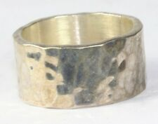 VINTAGE MEXICAN STERLING SILVER WIDE HAMMERED BAND RING