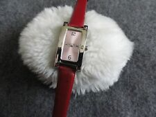 Pretty Ladies Quartz Watch with a Red Band