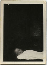 PHOTO ANCIENNE - VINTAGE SNAPSHOT - ENFANT DÉFUNT MORT POST MORTEM - CHILD DEAD
