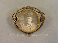 Brosche mit schwarz/weiss Foto eines Soldaten des 1.Weltkrieg in Uniform, 99565
